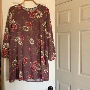 Boutique Floral Jersey Mini Dress, size Medium
